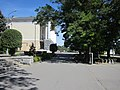 Слева от музыкального театра (на площади) - panoramio.jpg
