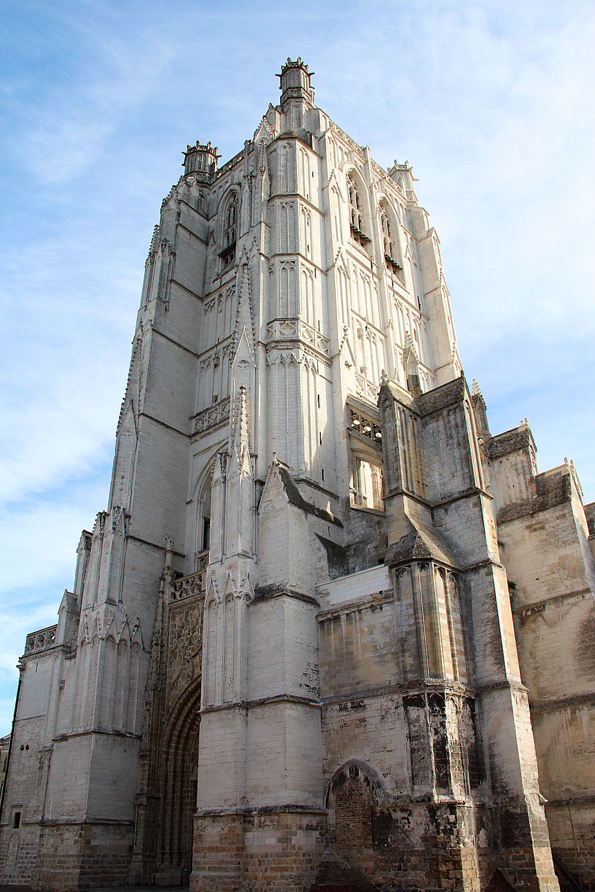 Saint omer cathedral wikipedia - Bricoman st omer ...