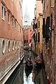 0 Venise, gondolier sur le Rio di Salvador et Campanile vus du Ponte del Lovo (3).JPG
