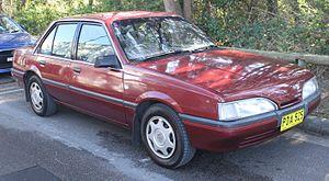 Holden Camira - Image: 1988 Holden Camira (JE) SLX sedan (20208151918)