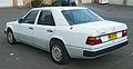 1990-1993 Mercedes-Benz 230 E (W124) sedan 02.jpg
