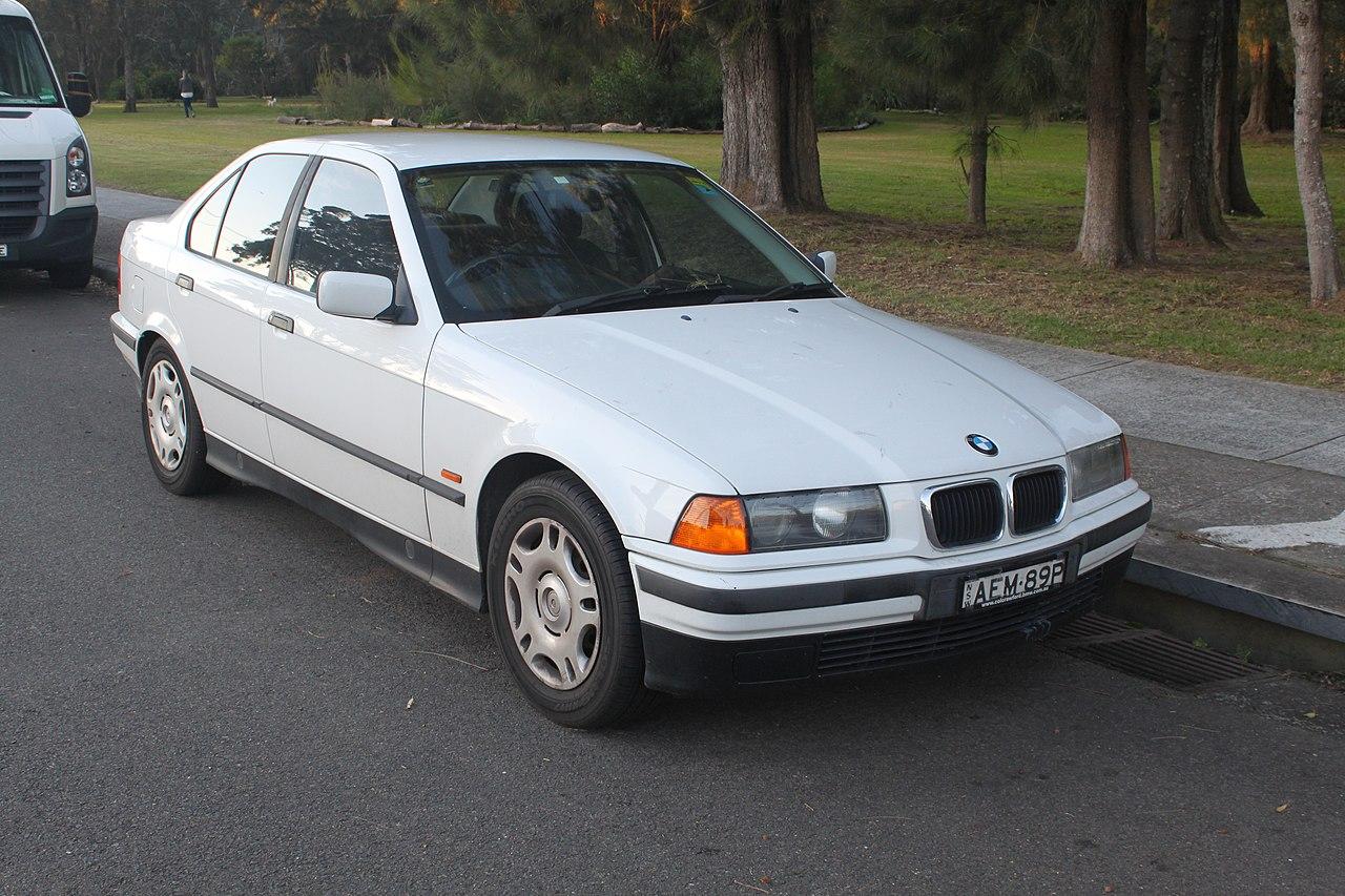 File:1997 BMW 318i (E36) sedan (18555132392).jpg ...