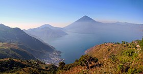 1 lake atitlan panorama 2009.jpg