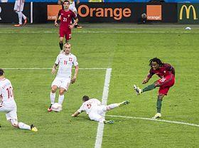 14743af95e Golo de Renato Sanches frente á Polónia no Euro 2016.