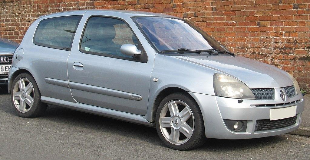 1024px-2003_Renault_Clio_Sport_16v_2.0_Front.jpg
