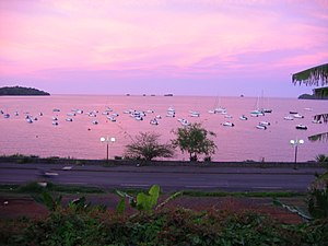 2004 12 12 18-24-04 rose sea in mamoudzou mayotte island