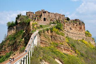 Etruscan civilization - A former Etruscan walled town, Civita di Bagnoregio