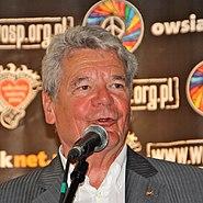 Joachim Gauck przemawia na festiwalu Przystanek Woodstock w 2012 roku
