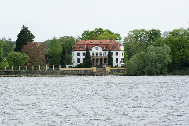 File:2012.09.24.145912 Herrenhaus Königsklinger Aue Eltville.jpg