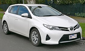 2013 Toyota Corolla (ZRE182R) Ascent hatchback (2015-07-24).jpg