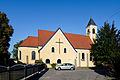 20150829 Braunau am Inn, Kath. Pfarrkirche Maria Königin des Friedens und Pfarrzentrum 154820150905.jpg
