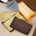 2015 0423 Fries roggebrood met oude kaas.jpg