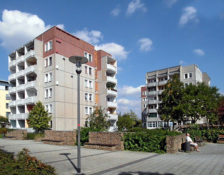 File:20180908140DR Dresden-Strehlen Otto-Dix-Ring 102.jpg