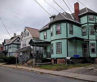 Buell Street–Bradley Street Historic District - Image: 24 28 Orchard Terrace
