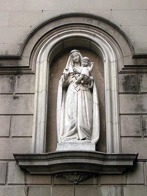 Virreina Palace - Image: 90 Mare de Déu del Roser, vora la Virreina