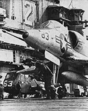 Marine Aircraft Group 15 - Image: A 4C CVS 12 H MS15Det N CVSG 57 NAN5 66
