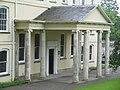 Aberglasney house & its pillers - panoramio.jpg