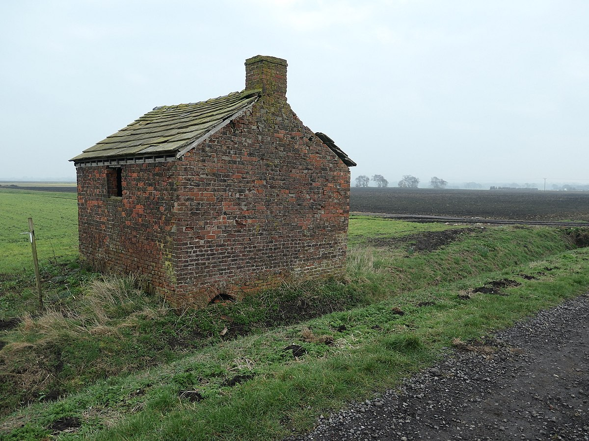 Agricultural building, Croston Moss.jpg