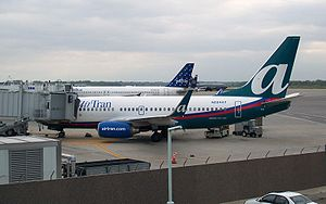 English: AirTran Airways Boeing 737-700 at Gre...