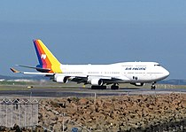 Air Pacific Boeing 747 Sydney Airport.jpg