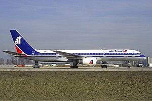 Air Transat Boeing 757 Volpati.jpg