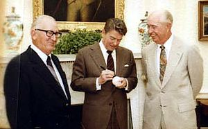 Al López - Al López (at left) with Ronald Reagan and Walter Alston, 1982
