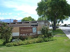 Alamogordo Public Library - Image: Alamogordo Public Library street sign