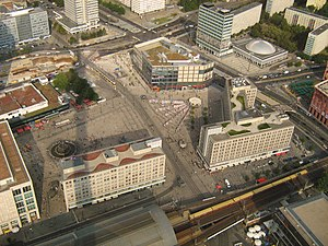 Deutsch: Alexanderplatz in Berlin 2009. Sicht ...