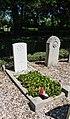 Algemene begraafplaats Nieuw-Helvoet. Oorlogsgraf (1).jpg