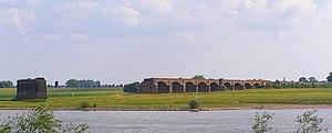 Oberhausen–Arnhem railway - Ruins of the Wesel Railway Bridge