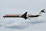 American Airlines, McDonnell Douglas MD-83, N567AM - PDX (17941131473).jpg