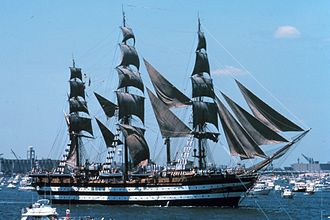 Italian tall ship Amerigo Vespucci in New York Harbor during the United States Bicentennial celebration. Amerigo vespucci 1976 nyc aufgetakelt.jpg
