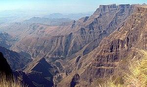 Amphitheatre (Drakensberg) - The Amphitheatre ridge looking southeast