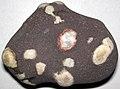 Amygdaloidal basalt 1.jpg