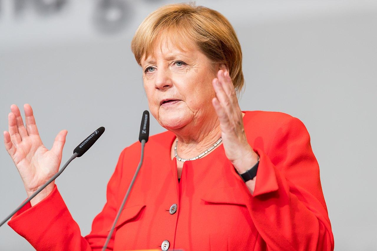 Angela Merkel - 2017248174501 2017-09-05 CDU Wahlkampf Heidelberg - Sven - 1D X MK II - 508 - B70I6424.jpg