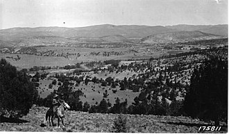 Apache National Forest - Reservation Valley in the park (1923)