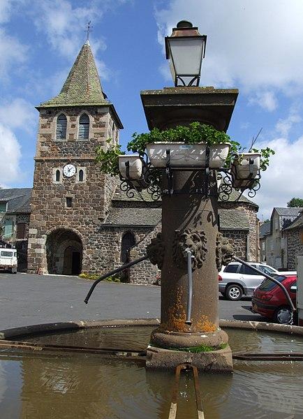 Tour du Cantal 2009 434px-Apchon_5
