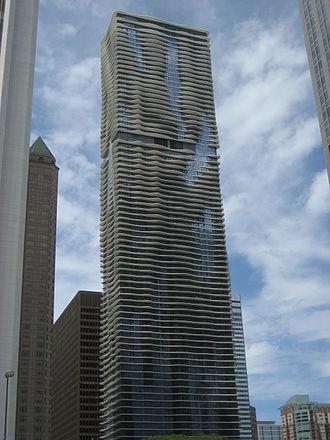 Aqua (skyscraper) - Aqua's southern facade