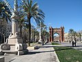 Arc de Triomf in the distance - panoramio.jpg