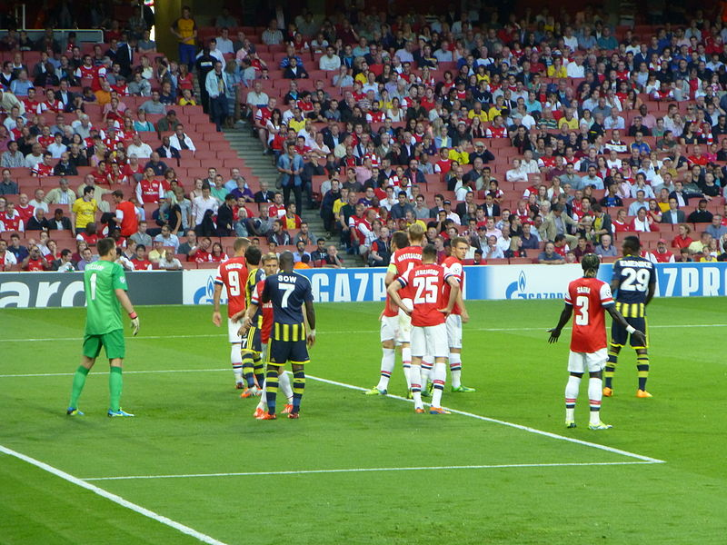 800px-Arsenal_vs_Fenerbahce_%289611226933%29