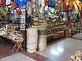 Artesanía en el mercado de Temuco (2150133188).jpg
