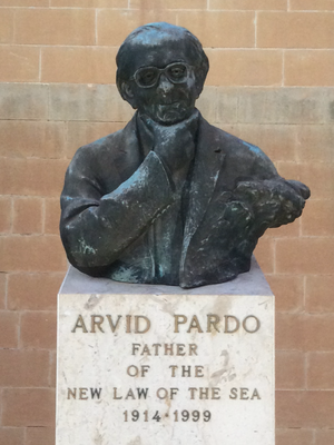 Arvid Pardo - Arvid Pardo monument at the University of Malta