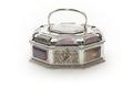 Avlångt, åttsidigt skrin av silver med infattade plattor av agat - Skoklosters slott - 92221.tif