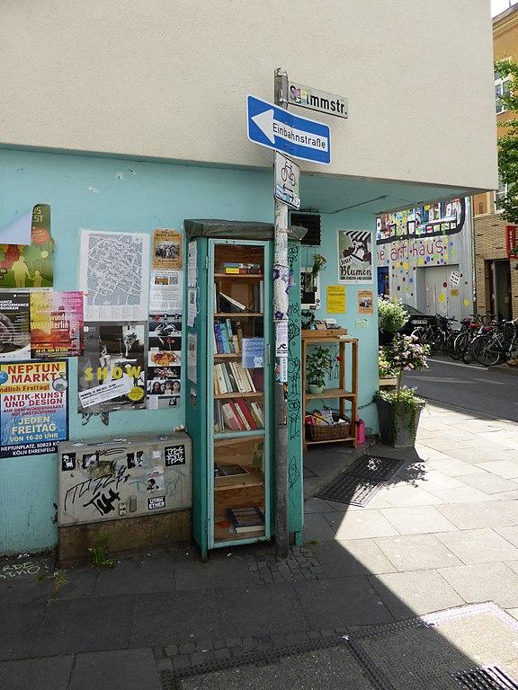 File:Bücherschrank Körnerstraße Ecke Stammstraße, Köln-Ehrenfeld (1 ...