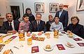 B1 Meriyem und Baycan Varol mit ihren Kindern, Christian Wullf, Beate Wille (Gast) und Tarek Abdelalem.jpg