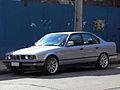 BMW 535i 1990 (15066143124).jpg