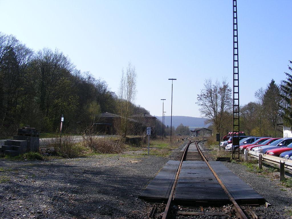 File:Bad Kissingen Bahnhof - Gleise und Bahnsteige.JPG ...