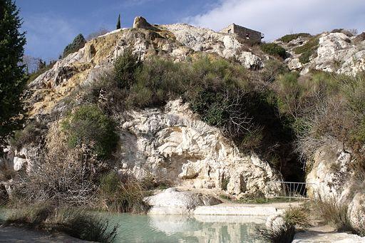 Bagno Vignoni, Parco dei Mulini, grotte