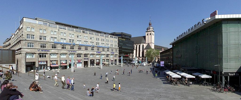 Bahnhofvorplatz Köln Hauptbahnhof
