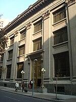 Frontvido de la centra banko de Ĉilia konstruaĵo